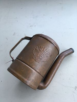 Shell (1)qt swing spout oil can. SHELL. CO is embossed on side of can. Oil Can is copper color. Pickup and cash only!! Price is firm! for Sale in Hacienda Heights, CA