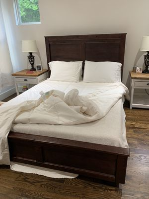 Bed frame for Sale in Nashville, TN
