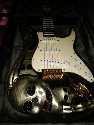 Rare skull hand carved George Lynch stratocaster guitar tremolo Halloween skull for Sale in Las Vegas, NV