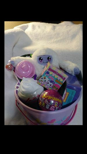 Great bucket of high quality girls toys ..smoke free home..ages 3+ for Sale in Hemet, CA