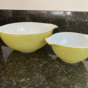 Vintage Pyrex Serving Bowls for Sale in Carlsbad, CA