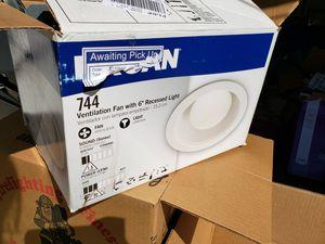 Broan bathroom fan/light model 744 for Sale in Euless, TX