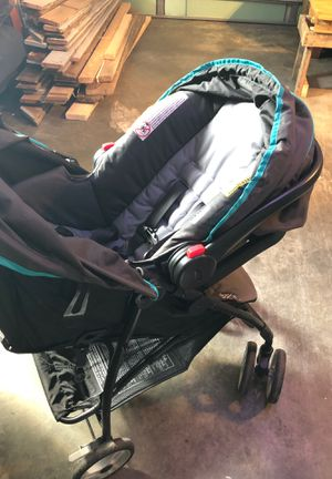 Graco snugride 30 car seat and stroller for Sale in Hubert, NC