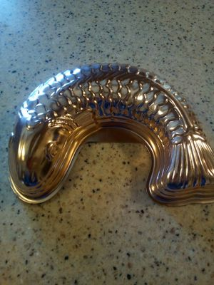 Vintage copper eel fish jello mold/ hanging / copper/12x9 inches/5.5 cup capacity for Sale in Dearborn Heights, MI