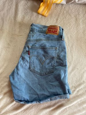 Levi jean shorts for Sale in Reynoldsburg, OH