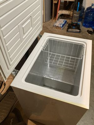 5.1 chest freezer Kenmore for Sale in Palm Bay, FL