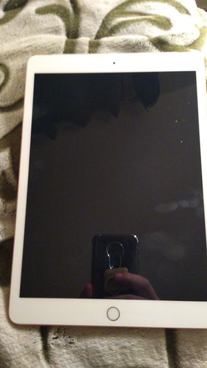 Apple I pad 7 the Gen 32 gb will trade for playstaton 4 for Sale in Marysville, WA