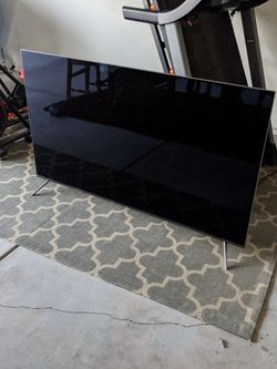65inch Samsung 4k Cracked UHDTV for Sale in La Verne,  CA