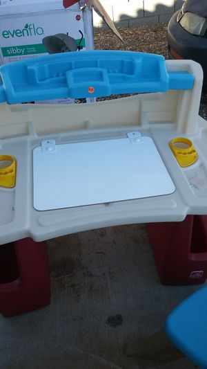 Childs play desk for Sale in Henderson, NV