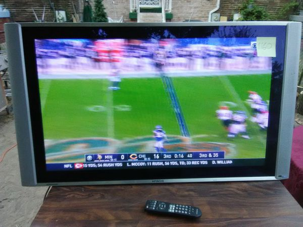Hitachi 42 inch TV with remote control and 3 HDMI ports with Wall mount