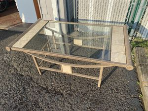 LIVING ROOM COFFEE TABLE for Sale in Paramus, NJ