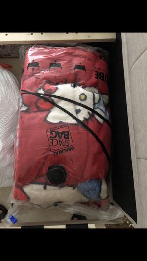 Two twins XL blankets. Hello Kitty. Perfect condition. for Sale in Miami, FL