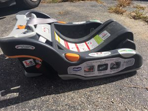 Chicco keyfit 30 base for Sale in Levant, ME