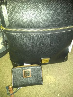 Dooney purse and wallet set for Sale in Fort Worth, TX