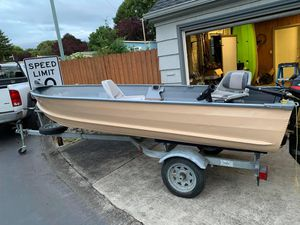 14 aluminum boat for Sale in Clackamas, OR