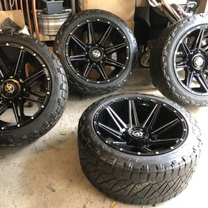 33x12.50 R22 for Sale in Downers Grove, IL