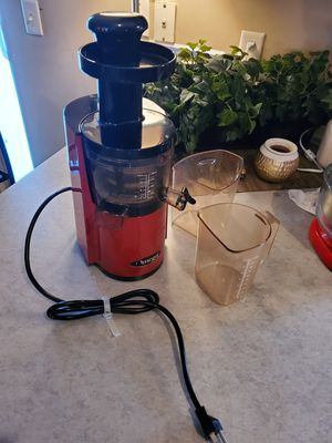 Omega juice extractor for Sale in Albertville, MN