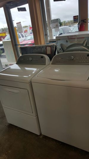Whirlpool cabrio washer and dryer set for Sale in Fort Washington, MD