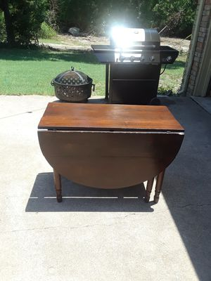 antique drop leaf table for Sale in Dallas, TX