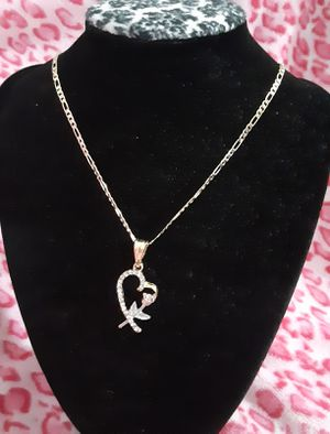 Gold plated chain with the pendant/Cadena con dije de corazón for Sale in Houston, TX