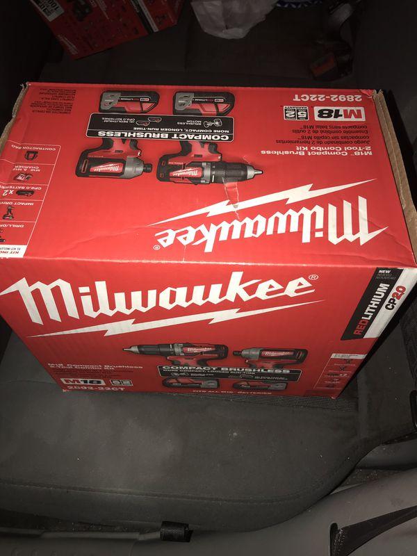 Milwaukee drill set M18 2892-22CT
