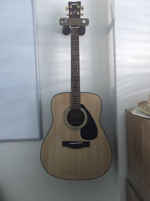 Yamaha Acoustic Guitar for Sale in Miami Beach, FL