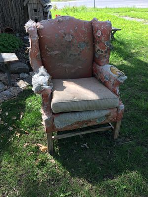 Free Wingback Chair for Sale in Salem, UT