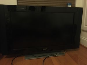 """Phillips 35"""" inch Tv for Sale in Baltimore, MD"""