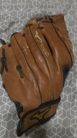 Mizuno baseball glove for Sale in Villa Rica, GA