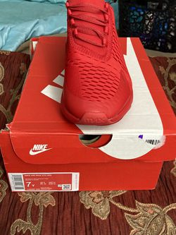 Grade School Nike Air Max 270 for Sale in Fort Washington,  MD