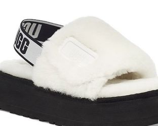 UGG slides With Front And Back Strap for Sale in Snellville,  GA