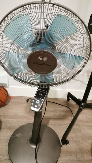 Fan with remote control for Sale in Seattle, WA