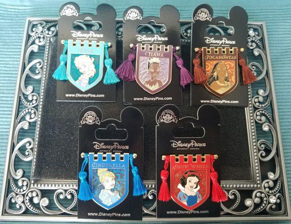 Tapestry Banner Series PRINCESS POCAHONTAS New on Card Trading Pin Disney