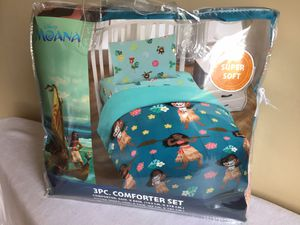 New Disney Moana Super Soft Twin 3pc Comforter Bedding Set for Sale in Signal Hill, CA
