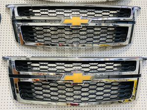 OEM Grill for Chevrolet Tahoe & Suburban 2015-2020 for Sale in Houston, TX