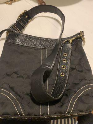 Nice coach purse for Sale in Dallas, TX