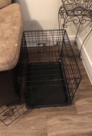 """Small dog crate 32"""" for Sale in Houston, TX"""