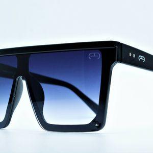 Big Square Fashion Sunglasses, Unisex for Sale in Miami, FL