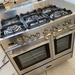 """Super Clean 36"""" Stainless Steel Verona Duel Fuel Range For Sale for Sale in Hesperia, CA"""