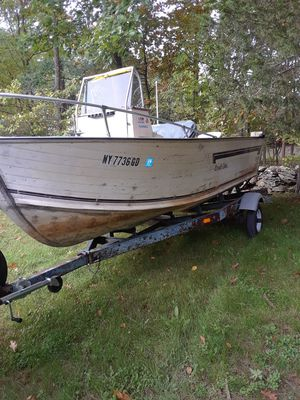 18 foot fishing boat for Sale in Cairo, NY