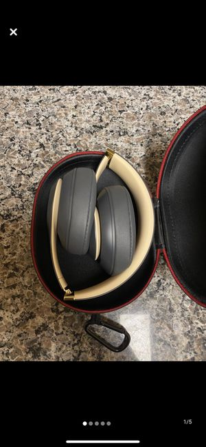 Beats studios 3 wireless special edition for Sale in Carteret, NJ