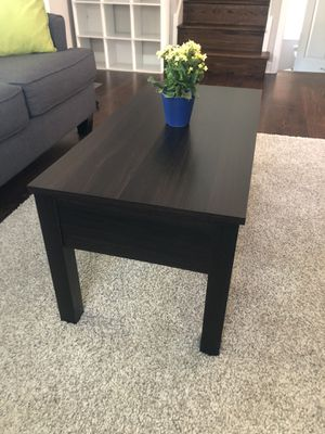 Mainstay Lift Top Coffee Table (Brown) for Sale in Denver, CO