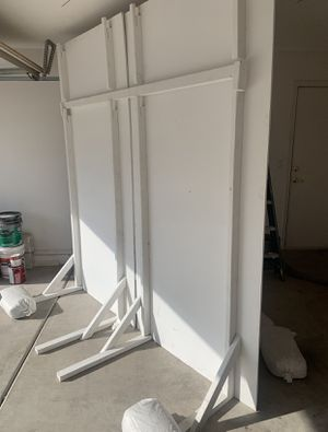 Free wooden backdrop 8x8ft for Sale in Peoria, AZ