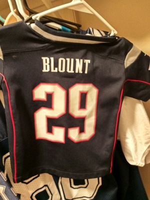 New england patriots kids (3T) football jersey for Sale in Manor, TX