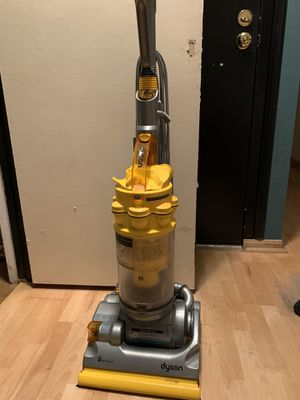 Dyson vacuum for Sale in West Hollywood, CA
