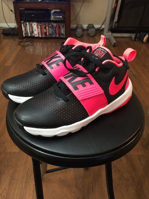 Nike Team Hustle D8 Black/Pink size 5y for Sale in Manassas, VA