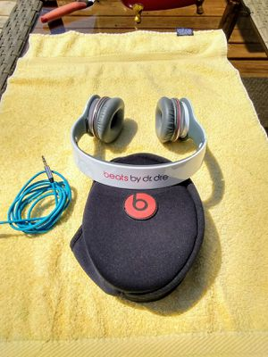 BEATS HEADPHONES • SOLO HD • NEARLY NEW for Sale in SeaTac, WA