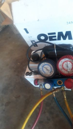 Snap on ac guages and evac pump still in box with oil and paperwork for Sale in Columbus, MS