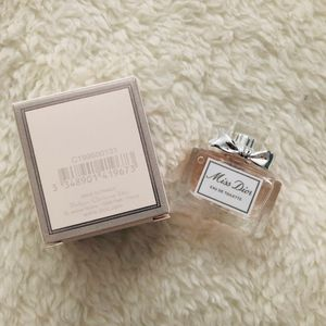 [Dior] Miss Dior Blooming Bouquet EAU DE Toilette~ Miniature Size 5ml for Sale in New York, NY