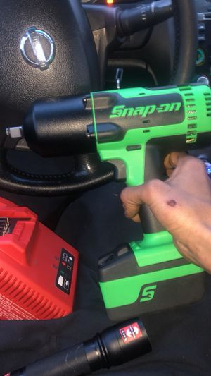 Snap-on 18v 1/2 in Drive-Cordless Impact Wrench for Sale in Dearborn, MI